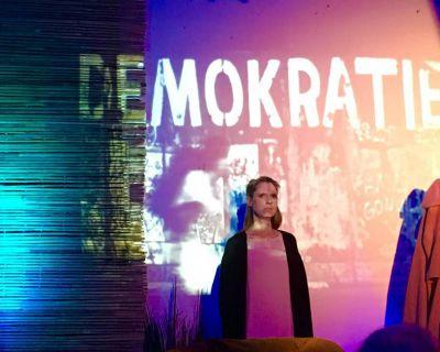 """Theateraufführung """"Sie heißt Demokratie"""""""